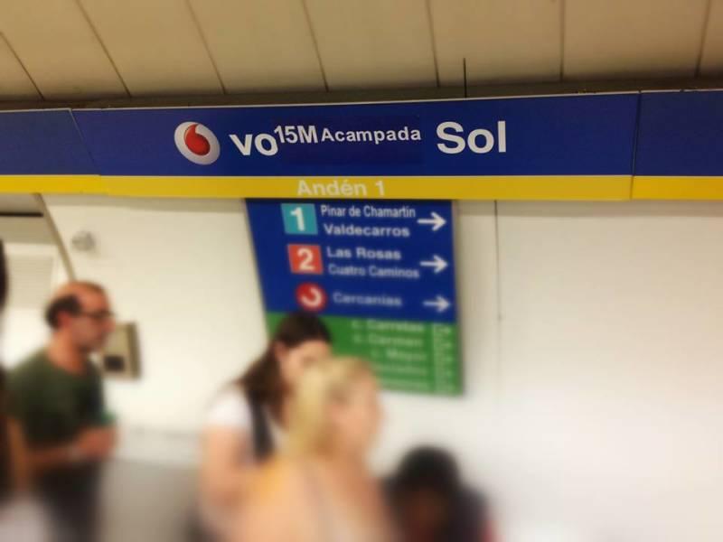 Boicots ciudadanos al cartel de la estación Vodafonde Sol