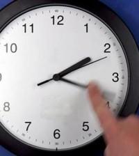 Cambio de hora en el reloj (Foto La Moncloa)