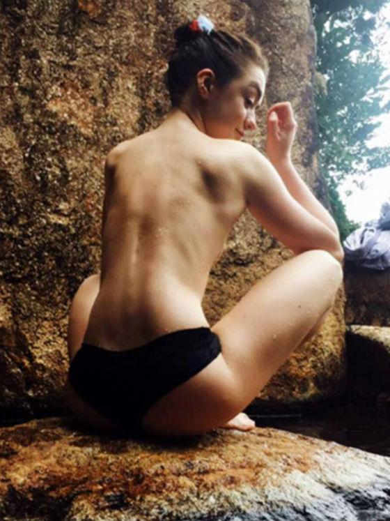 Juego De Tronos La Actriz Que Encarna A Arya Desnuda En